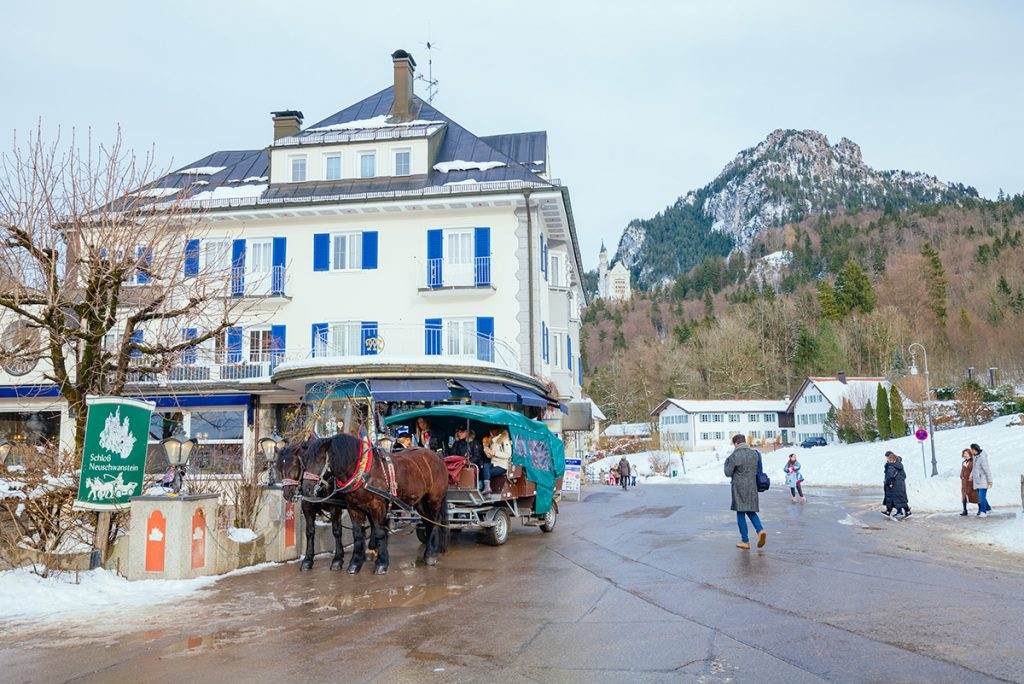 the place where the carriages depart for Neuschwanstein castle