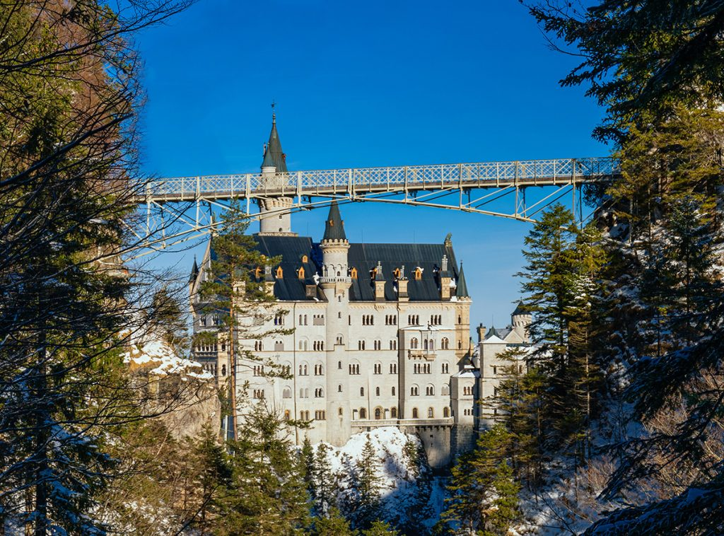 Neuschwanstein castle and marienbrücke in winter