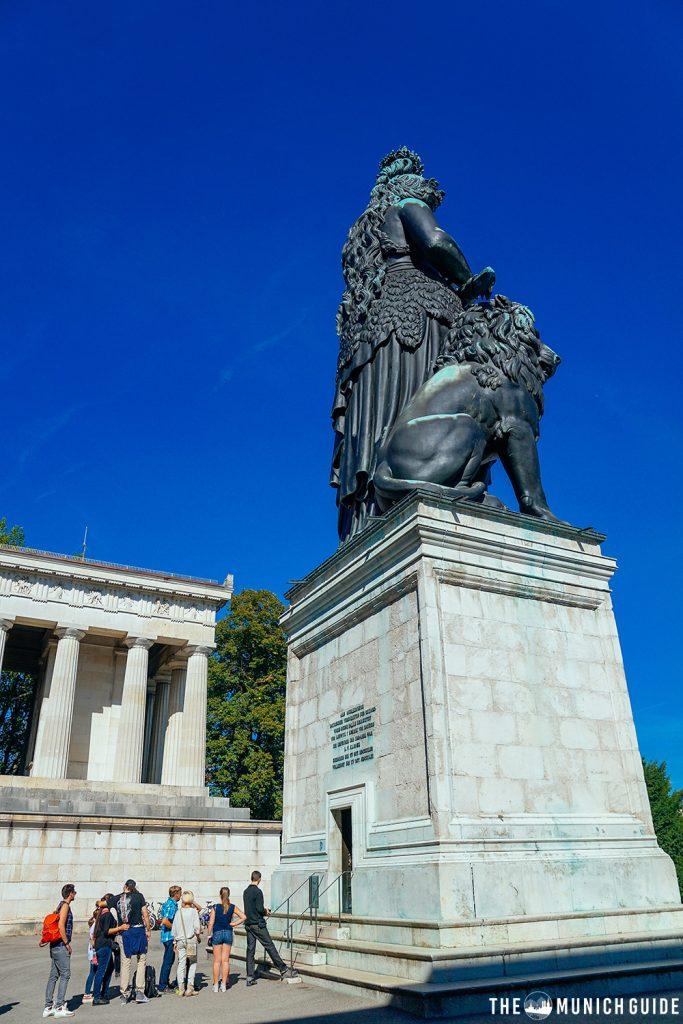 Tourists waiting to climb the bavaria statue